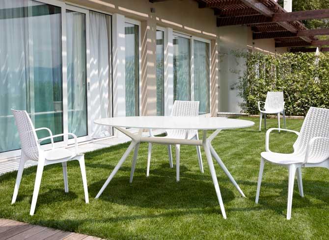 Tavolo Metropolis 150x112 ovale vetro bianco Scab design - linea ...