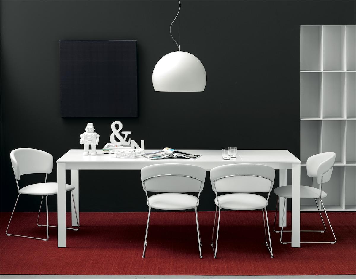 Sedia atlantis connubia by calligaris linea tavoli e sedie for Tavoli e sedie calligaris prezzi