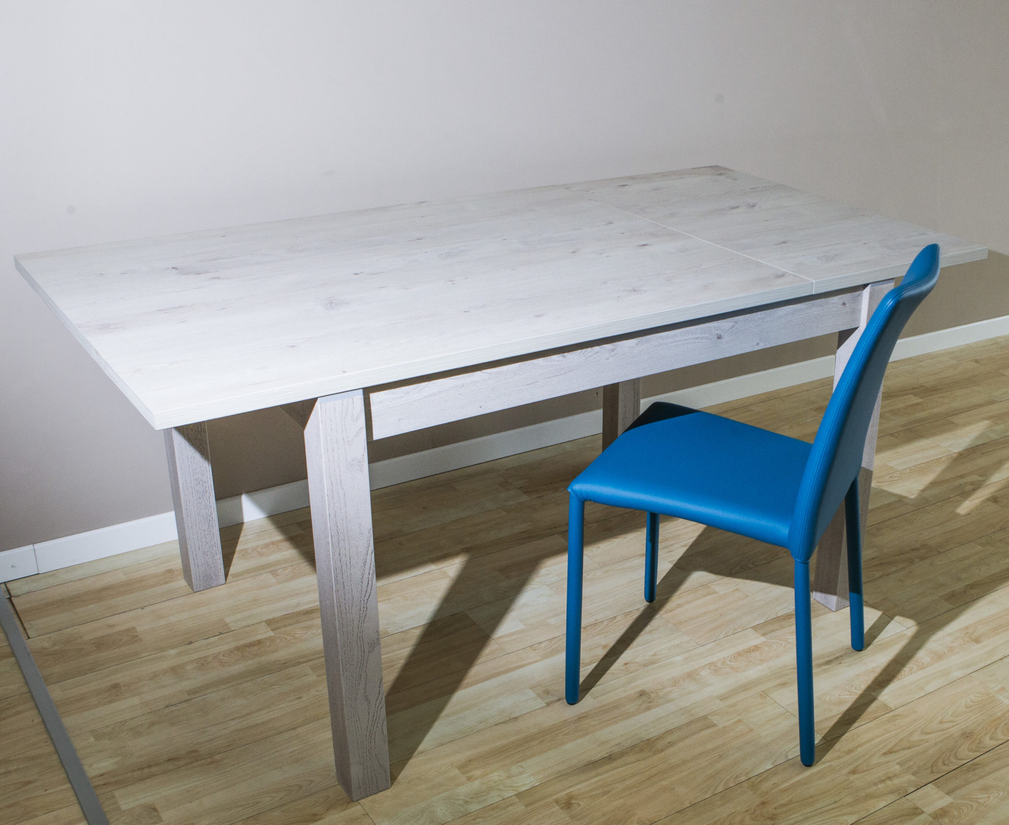 Rovere sbiancato Archivi - linea tavoli e sedie